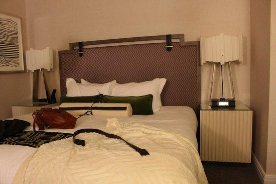 Kimpton Hotel Palomar Philadelphia : bed - city view king