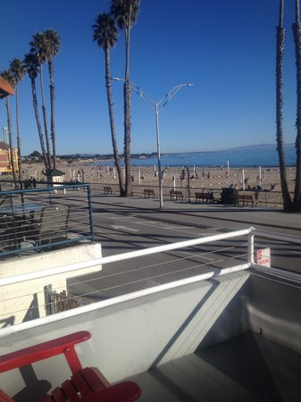 Beach Street Inn and Suites: View from ocean view king suite