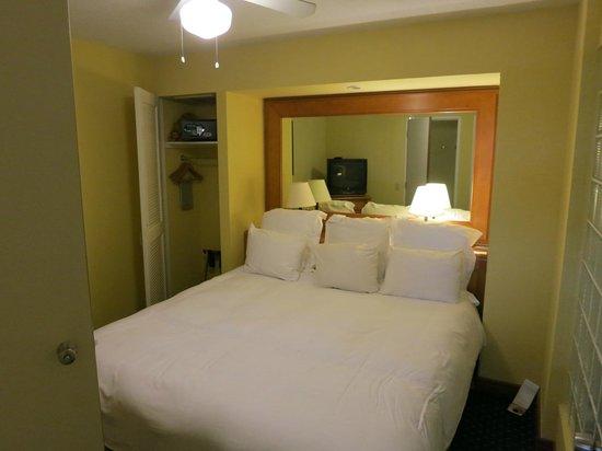 Renaissance Aruba Resort & Casino : Bedroom in Ocean Suites