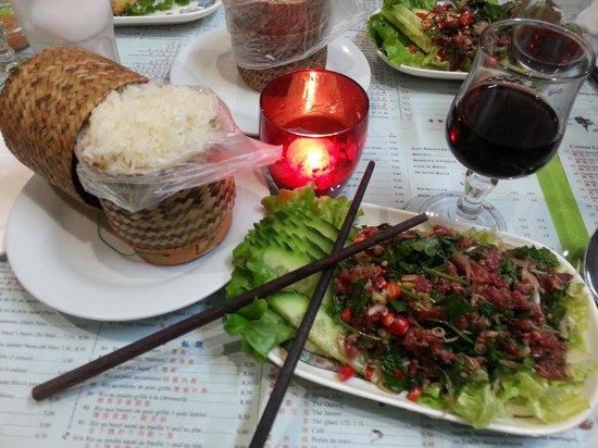 Lao Douang Paseuth: Lap Dip de boeuf et son riz gluant