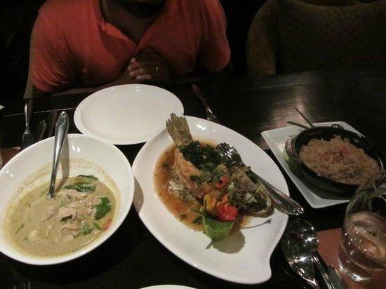 Shangri-La Hotel,Bangkok : Amazing food. Simply. Amazing.