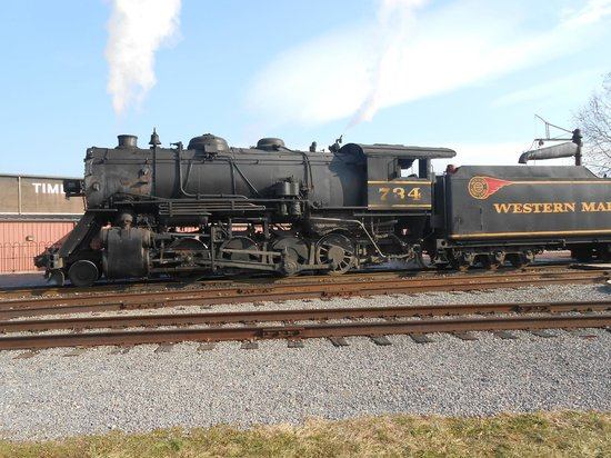 Western Maryland Scenic Railroad: 734 in the station