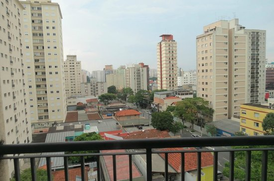 Estanplaza Ibirapuera: Boa localização