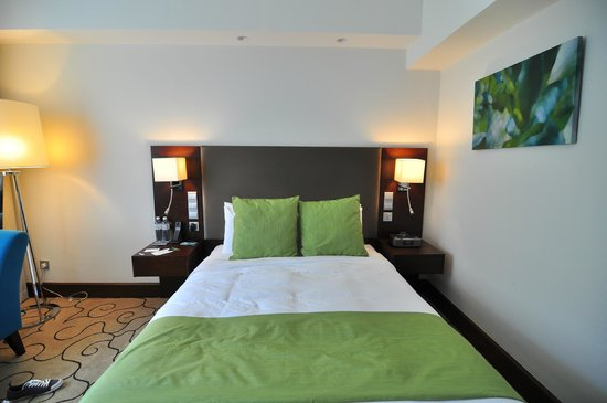 Radisson Hotel Brunei Darussalam: nice bed