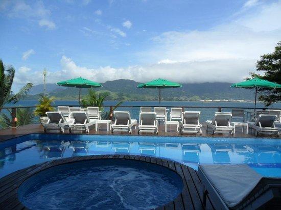 Barra do Piuva Porto Hotel: Vista do bar próximo a piscina