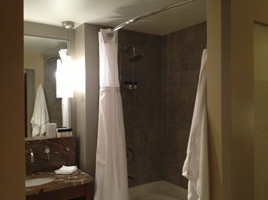 The Heathman Hotel Kirkland : Bathroom