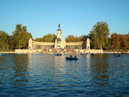 Parque del Retiro: So Beautiful!