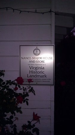 CourtHouse Grille: Virginia Historic Landmark plaque on building
