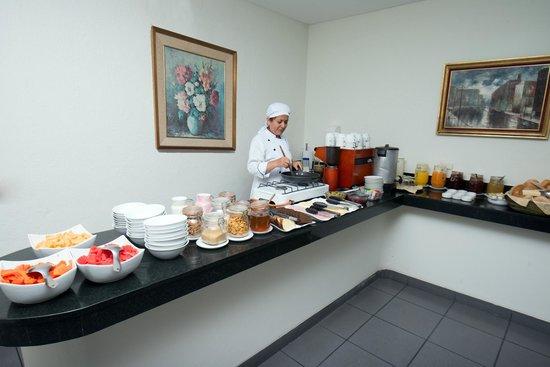 Hotel San Antonio Abad: Buffet Breakfast