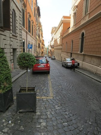 Barberini Hotel : Street in front of hotel