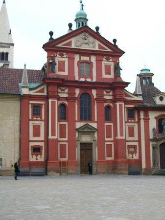 Château de Prague : Basilica of Saint George
