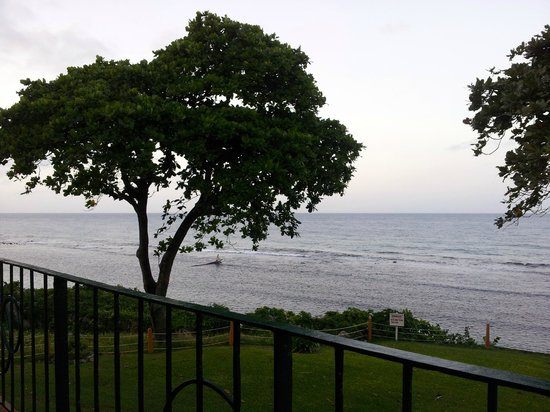 Carib-Ocho Rios: view left