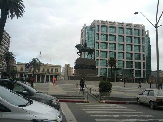 Plaza Independencia: October 2013