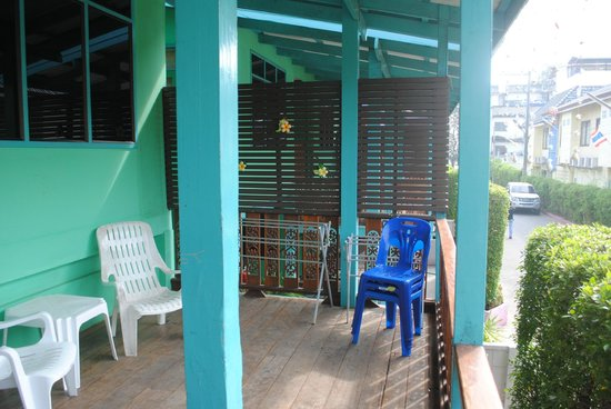Narumon Bungalow: Deck