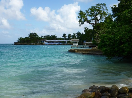Sandals Royal Plantation: Beach areas never seemed crowded or overrun