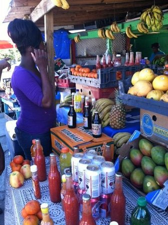 People to People : Fruite and Vegetable stand
