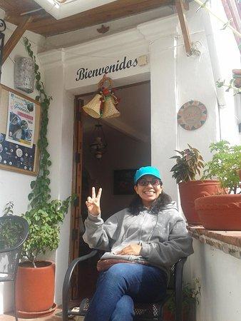 Hotel Mi Casita: En la entrada con mi novia