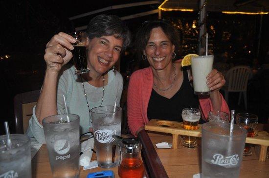 Castaway Waterfront Restaurant & Sushi Bar : enjoying the Holy Mackerel beer and the Pina Colada's