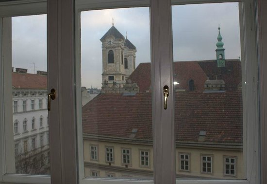 Hotel Altstadt Vienna: The view from our window