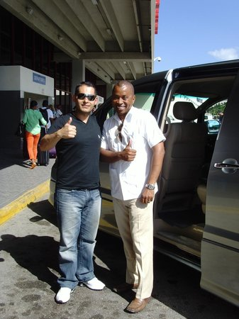Island Transfer and Tours - Day Tours: At Airport with Denyse