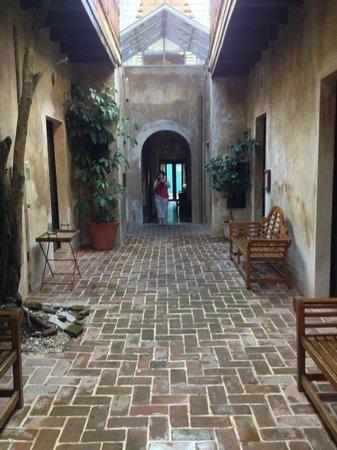 Villa Herencia : Courtyard