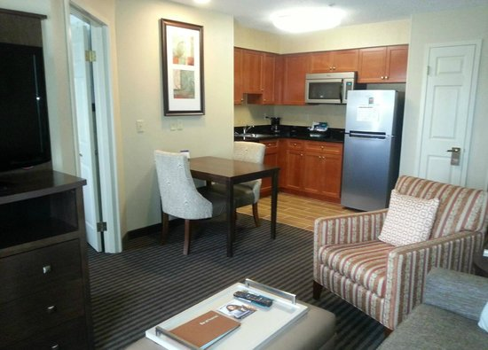 Homewood Suites by Hilton Grand Rapids: New appliances and furnishings!