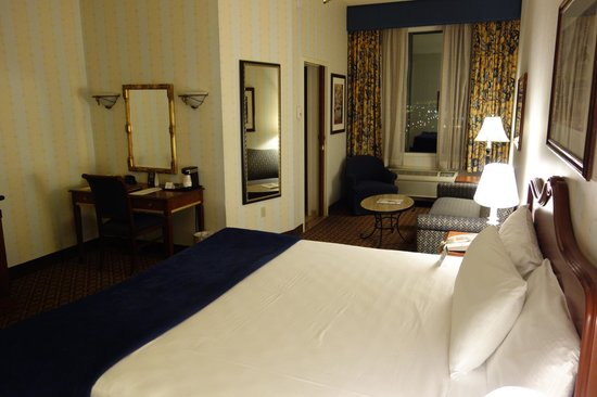 The Orleans Hotel & Casino : Deluxe king room