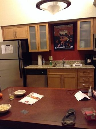 Residence Inn Albuquerque: kitchen at penthouse