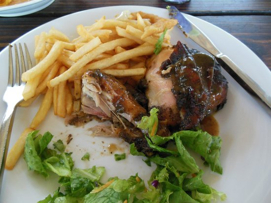 Sandals Royal Caribbean Resort and Private Island: MMM Jerk chicken!