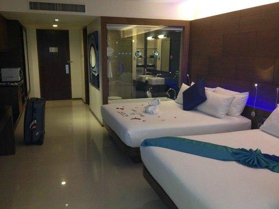 Novotel Phuket Kata Avista Resort and Spa : View from the balcony door