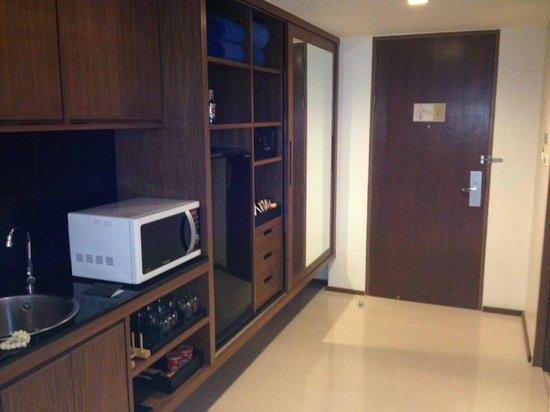 Novotel Phuket Kata Avista Resort and Spa : Good kitchenette area