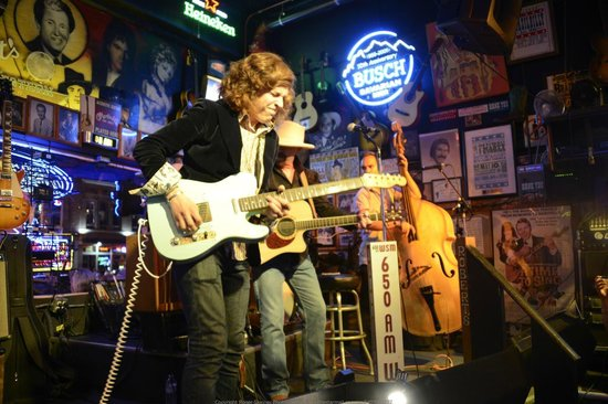 Robert's Western World : Lead guitarist of the Don Kelly Band Danny Donato, rips out a riff
