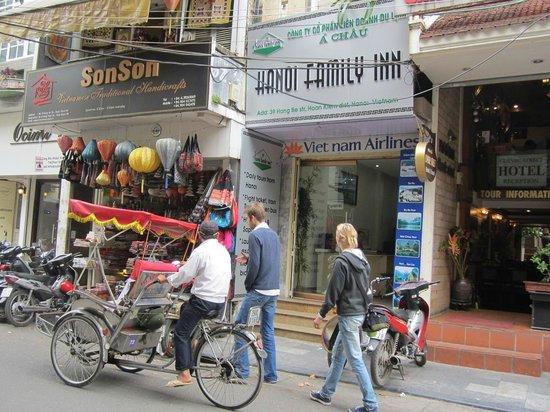 Hanoi Family Inn: Hotel ground