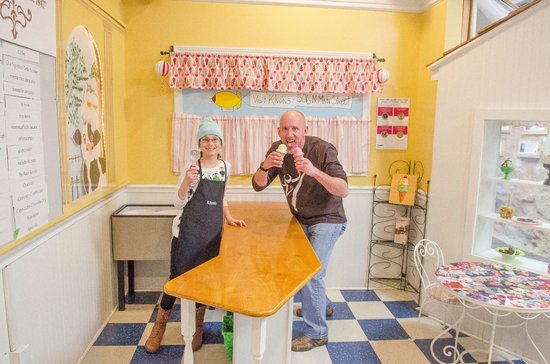 Hands On!-A Child's Gallery: Ice cream in the candy shop.