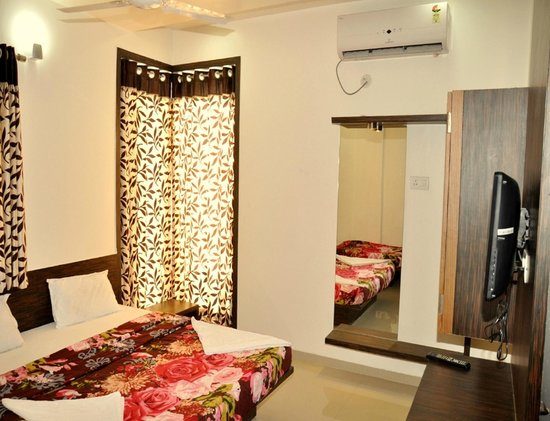 Hotel Mayank Residency: room