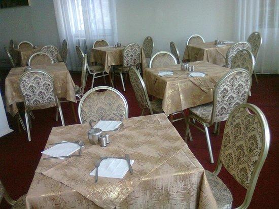 Rivoli Hotel: Dining room.