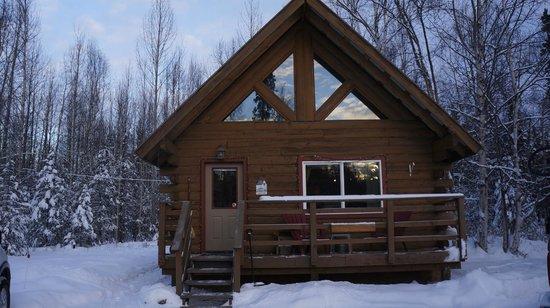 Hatcher Pass Bed & Breakfast: Exterior of cabin