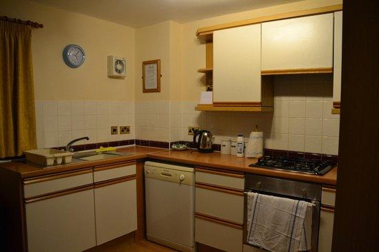 Tregenna Castle Resort: Kitchen in Porthcurno