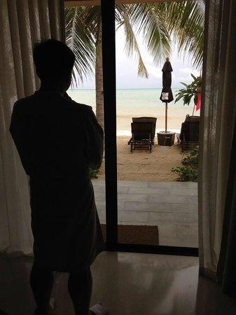 Buri Rasa Koh Phangan: window