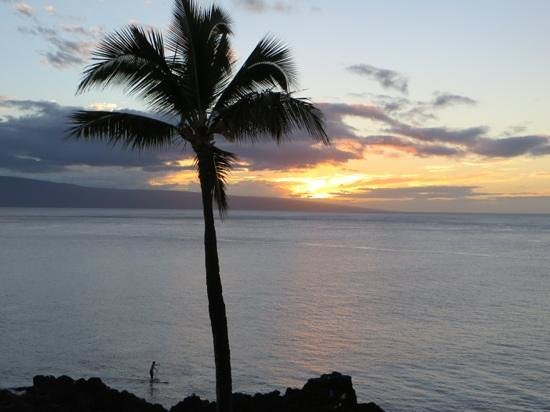 Sheraton Maui Resort & Spa : Lovely sunet from our room