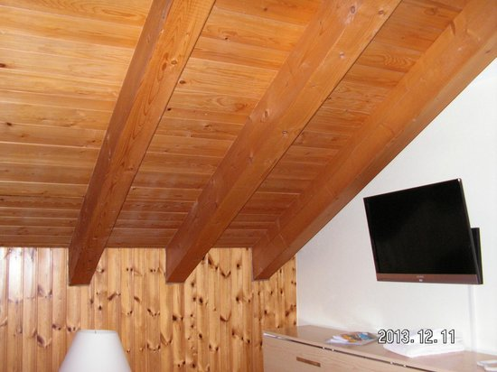 Aparthotel Monte Rosa: Nice wooden ceiling