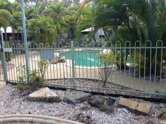 Capricorn Motel & Conference Centre: Pool area