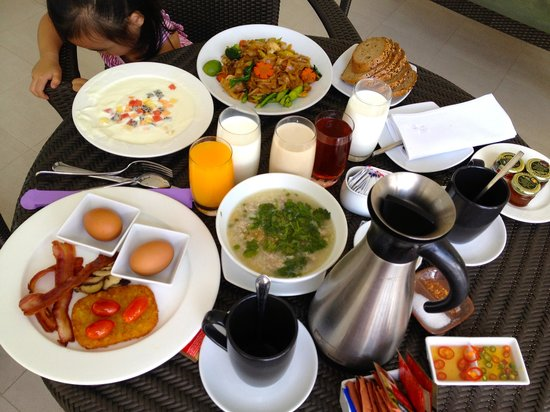 Angsana Laguna Phuket : In-room breakfast MUCH better than the Marketplace
