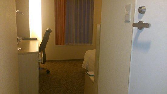 RIHGA Royal Hotel Osaka : 部屋の入り口から