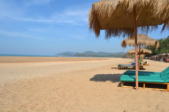 The LaLiT Golf & Spa Resort Goa : Hotel private beach