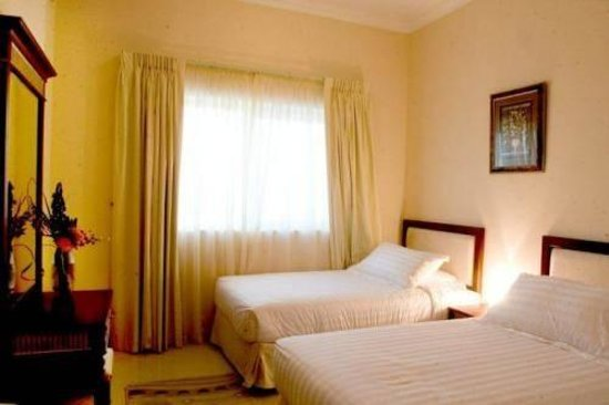 Emirates Stars Hotel Apartments Sharjah : Bedroom with 2 Single beds