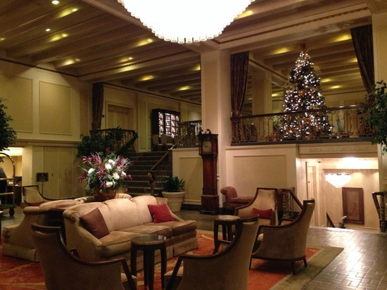Ambient lobby of the Mayflower Park Hotel