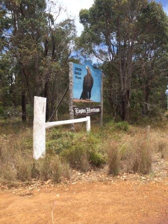 Eagles Heritage Wildlife Centre: Eagles Heritage sign.