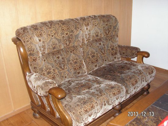 Gasthof Hirschen : Antique settee