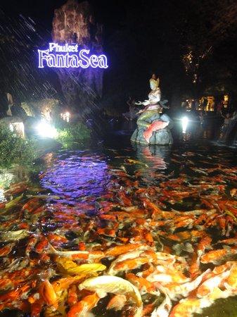 Phuket FantaSea: Entrance